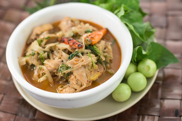 Chicken stew with pickled bamboo shoots