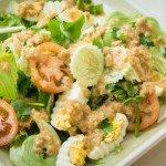 Lao salad with pork and eggs dressing